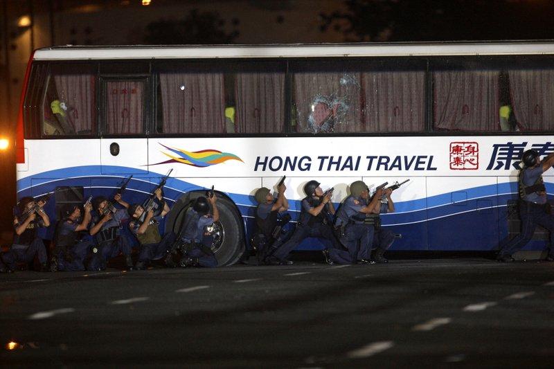 8 Killed On Hijacked Philippine Tourist Bus