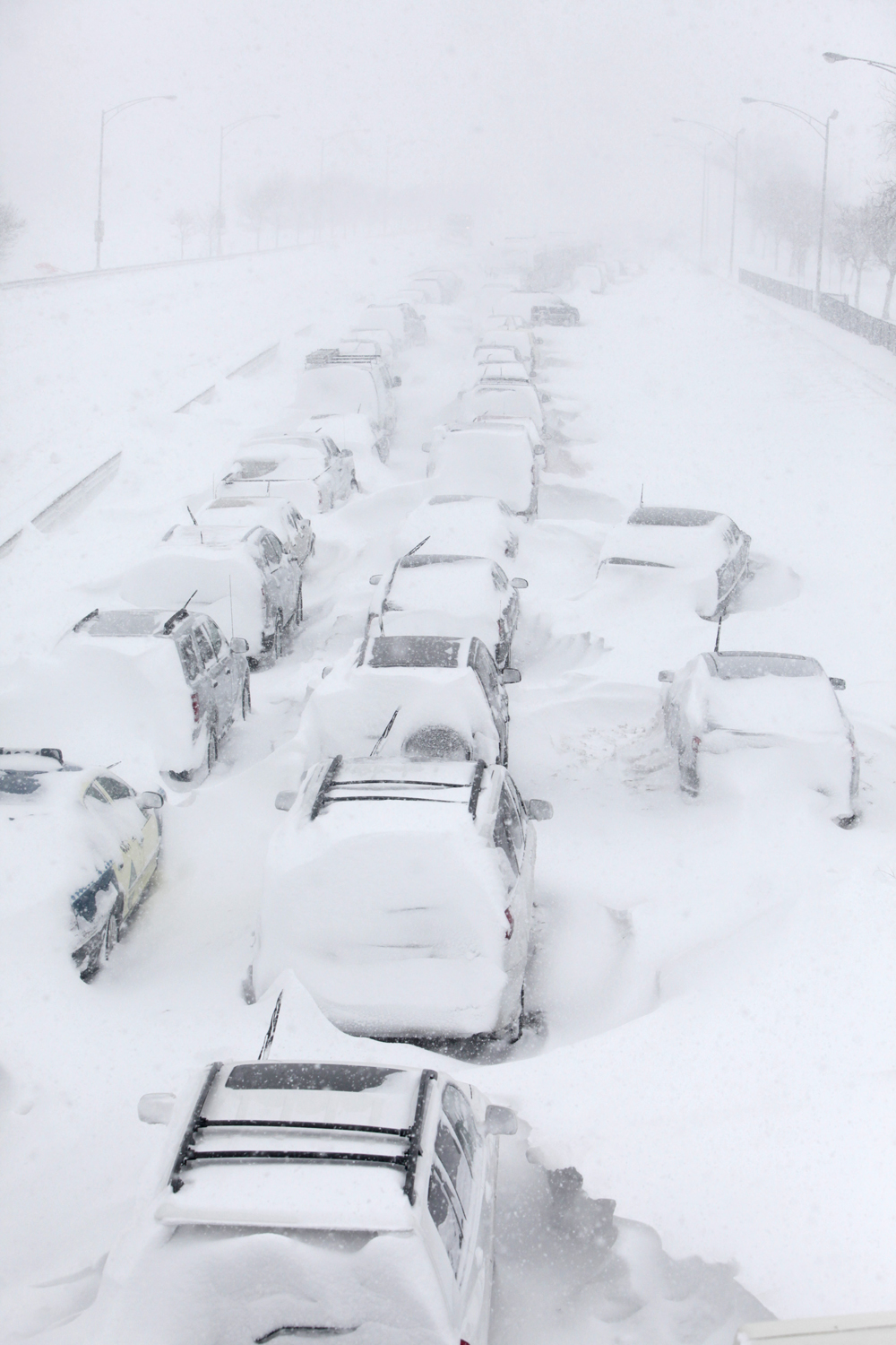 Chicago S Lake Shore Drive Reopens After Blizzard
