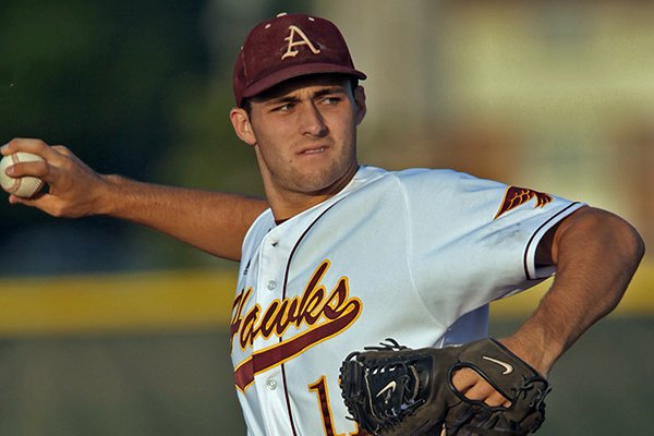 Ankeny, Iowa pitcher Keaton McKinney signed a letter of intent to play at Arkansas.