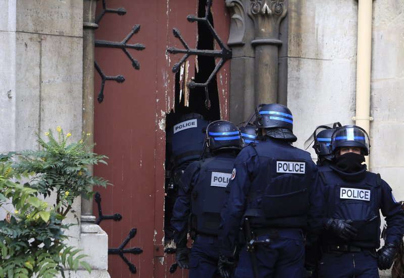 Prosecutor Paris Attacks Mastermind Not Arrested In Raid
