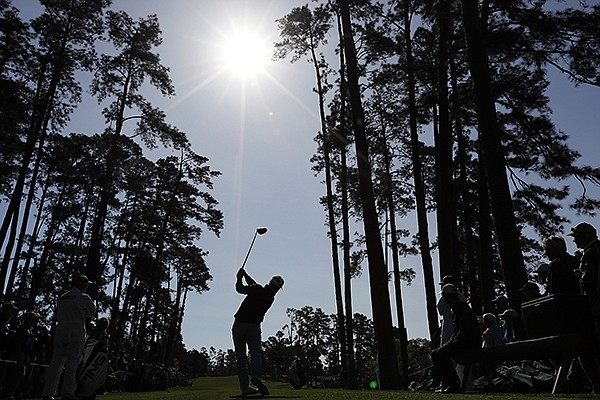 David Lingmerth, of Sweden, tees off on the 17th hole during a practice round for the Masters golf tournament Wednesday, April 6, 2016, in Augusta, Ga. (AP Photo/David J. Phillip)