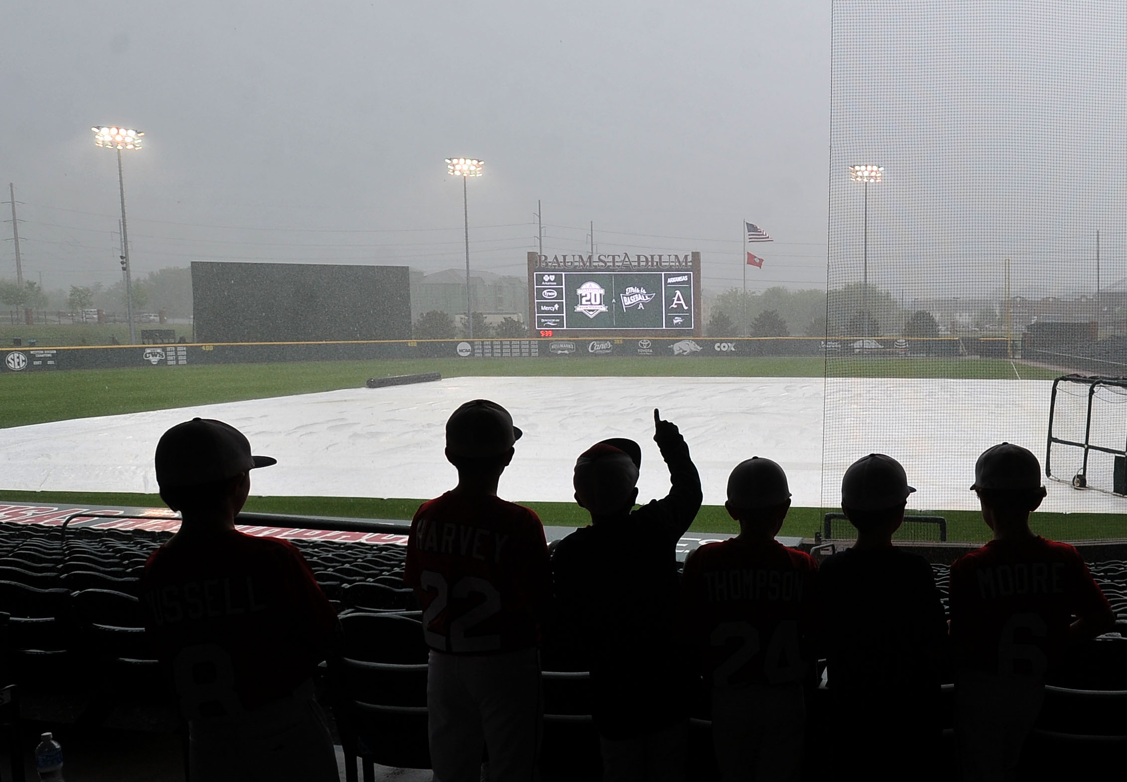 Start time delayed for Hogs, Aggies