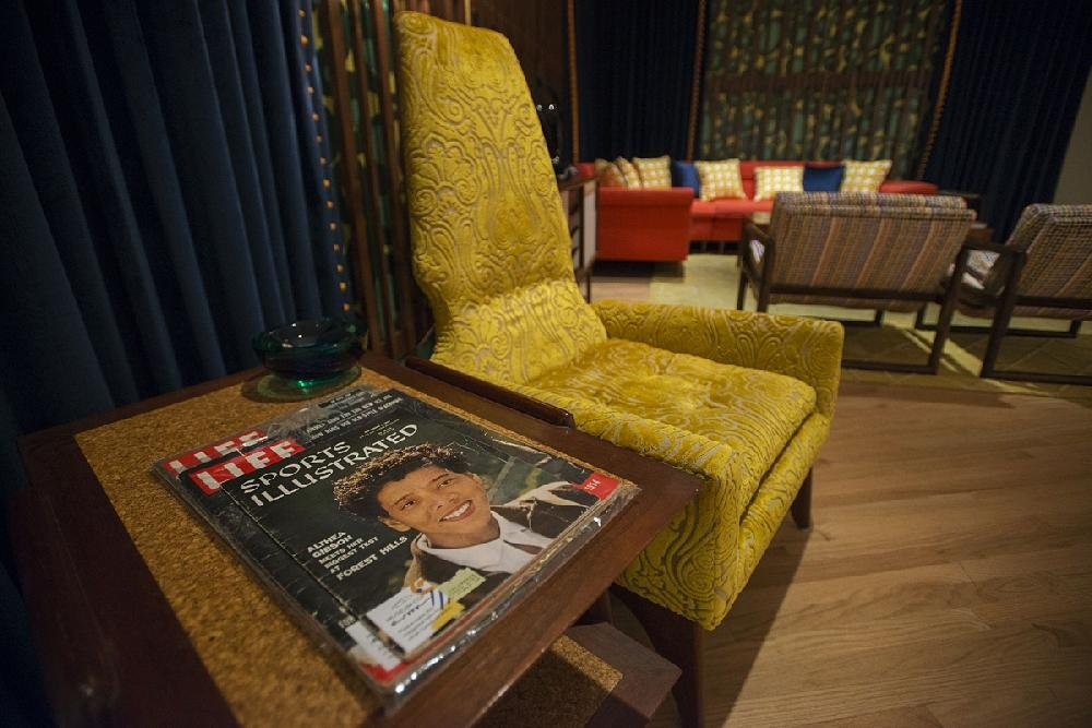 Photos Crystal Bridges Tells Visitors To Stay Awhile In 1950s Inspired Sitting Room
