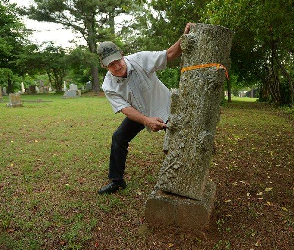 Deadly accident shines light on aging gravestones in Arkansas