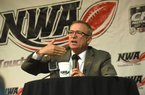 NWA Democrat-Gazette/FLIP PUTTHOFF