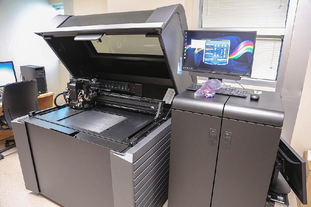 A 3-D printer used by Arkansas Children's Hospital to print organ replicas to assist in planning surgeries is shown Friday.