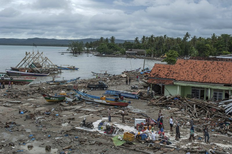 Indonesia Christmas 2020 Tsunami Site:Youtube.Com Death toll climbs past 370 in Indonesian tsunami disaster