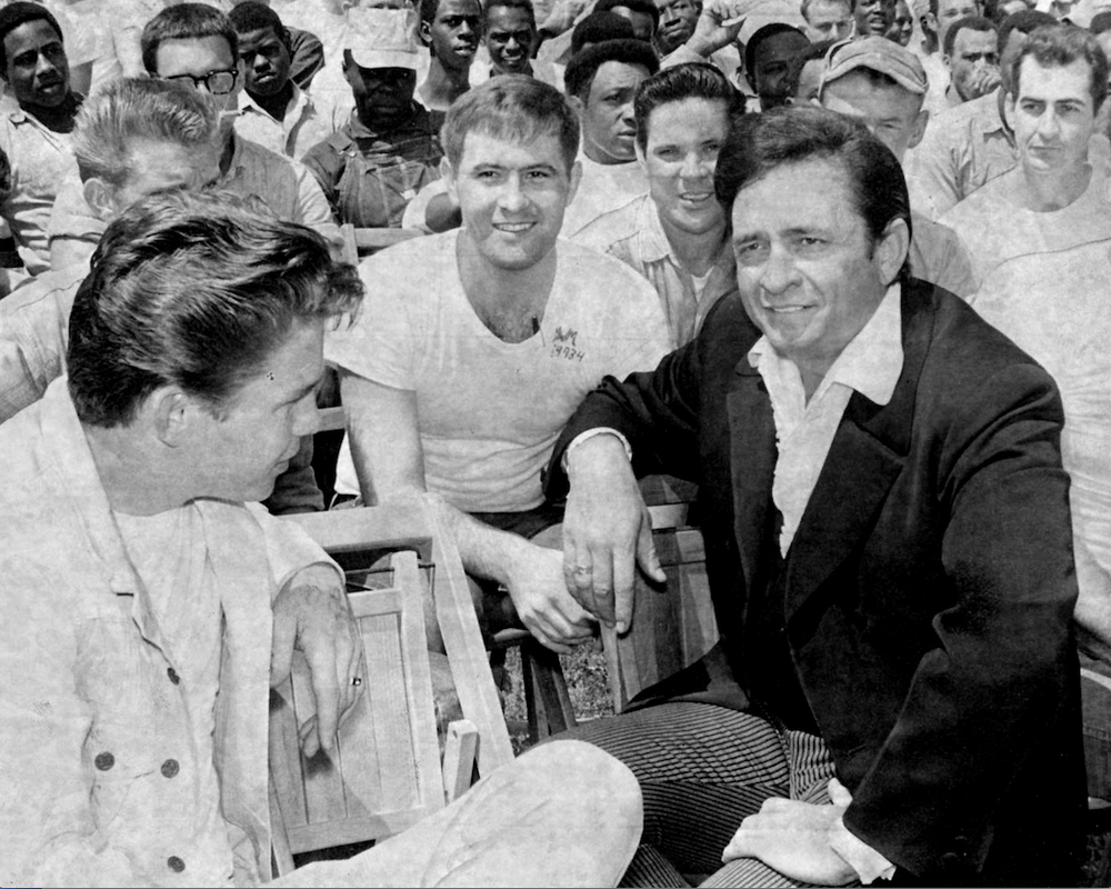 what year did johnny cash go to jail