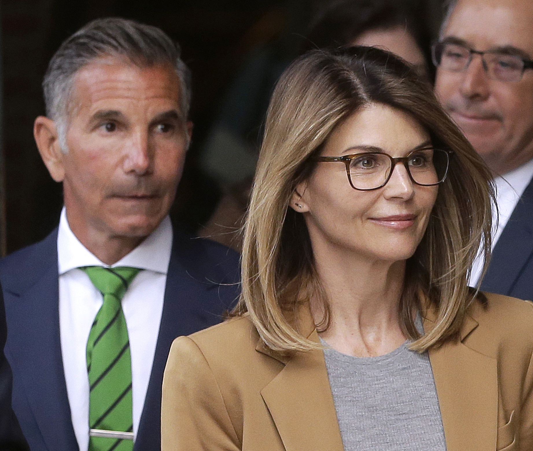 Actress Lori Loughlin Fashion Designer Husband To Fight New Charges In Admissions Case