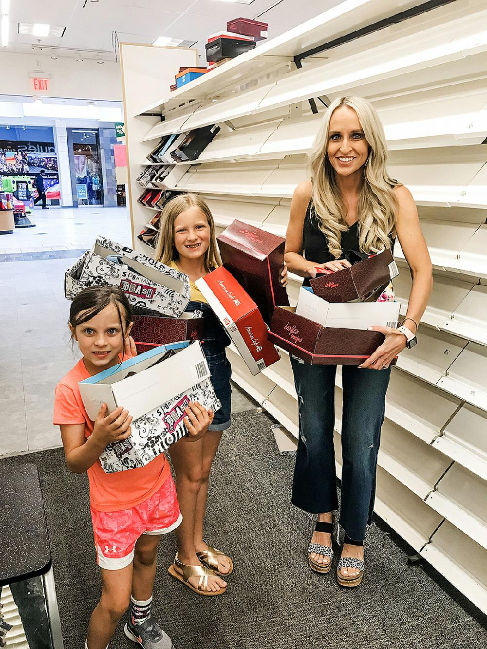 Mother Buys Out Closing Payless Shoe Store At Arkansas Mall To Donate