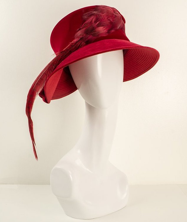 Woman's hat from the ESSE Purse Museum collection