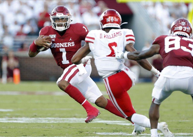 Hurts has 6 touchdowns, Oklahoma beats Houston