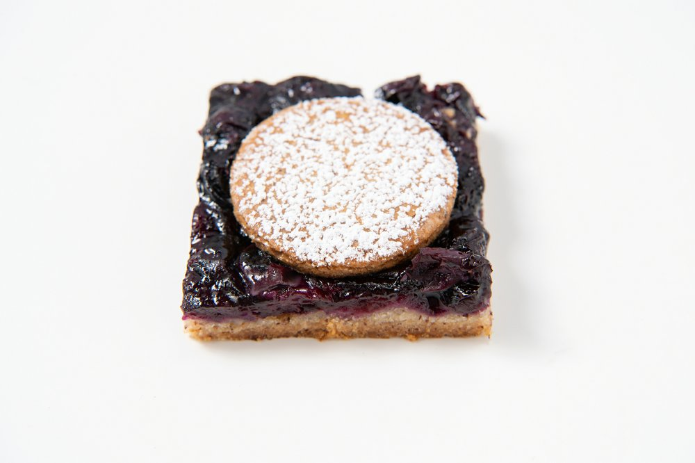 Blueberry Pie Bar  Photo by Mariah Tauger (Los Angeles Times/TNS)