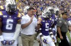 LSU head football coach Ed Orgeron leads his players onto the field before LSU's 65-14 NCAA football game victory over Northwestern State Saturday in Baton Rouge, La., September 14,2019. Photo/Patrick Dennis)