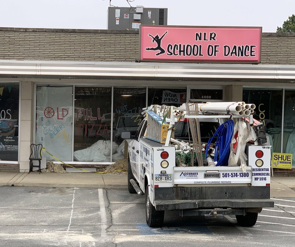 Old Mill Pizza is going into a former dance studio in the Lakehill Shopping Center on North Little Rock's Park Hill. (Arkansas Democrat-Gazette/Eric E. Harrison)