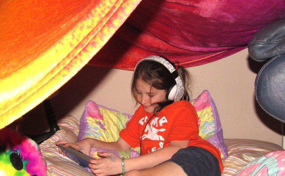 Julianna Dishongh has some quiet time in her fort April 6 after a hard day of crafting. (Special to the Democrat-Gazette/Kimberly Dishongh)