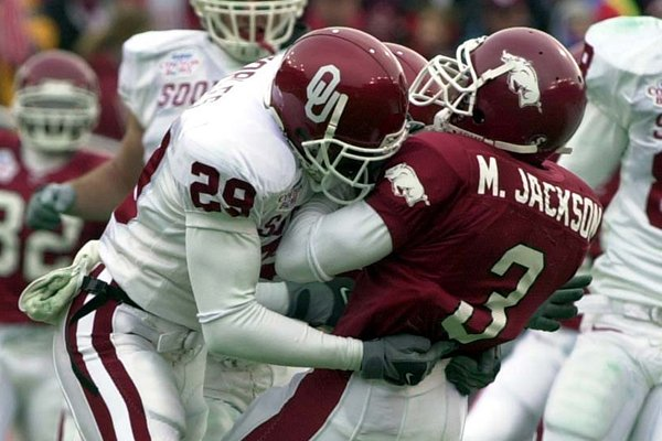 WholeHogSports State Of The Hogs Arkansas Oklahoma Football Series Never Made Sense