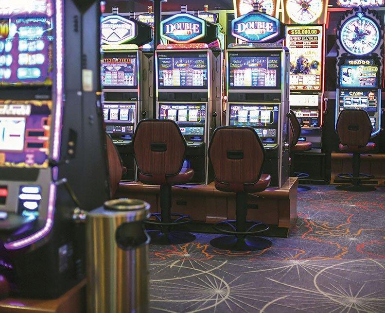 Казино 33 скачать покер шарк онлайн бесплатно