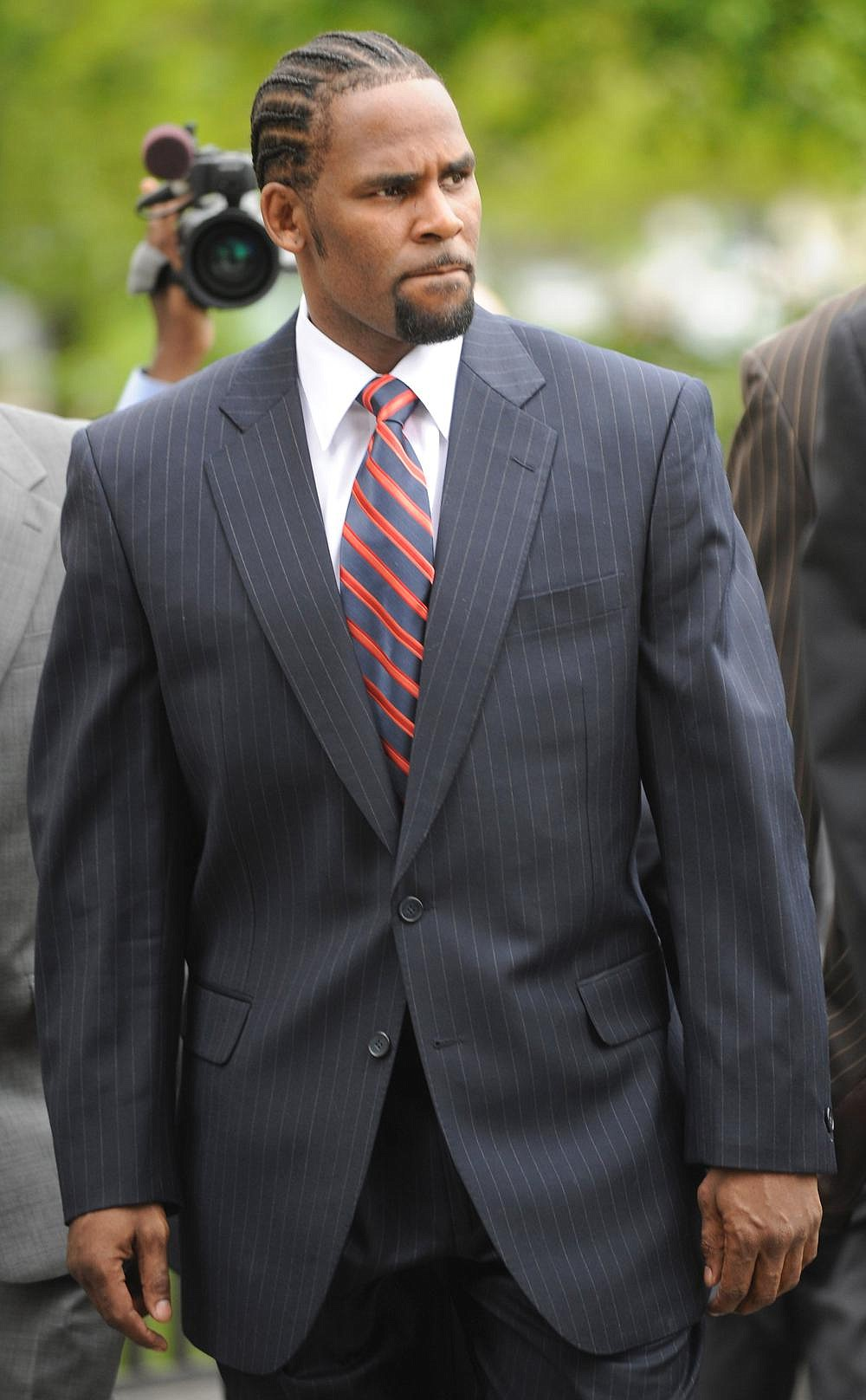 R&B musician R. Kelly is shown in this Tuesday, May 20, 2008 file photo.  (AP Photo/Paul Beaty)