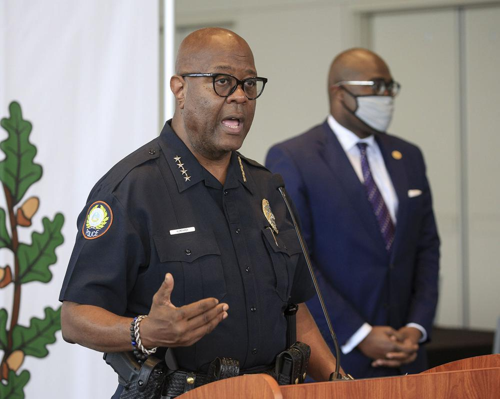 Letter seeks action on LR police chief