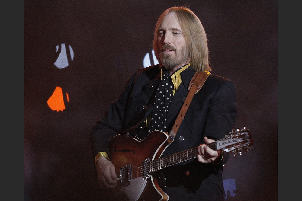 Tom Petty, of Tom Petty and the Heartbreakers, performed during halftime of the Feb. 3, 2008, Super Bowl football game between the New York Giants and the New England Patriots in Glendale, Ariz. (AP)
