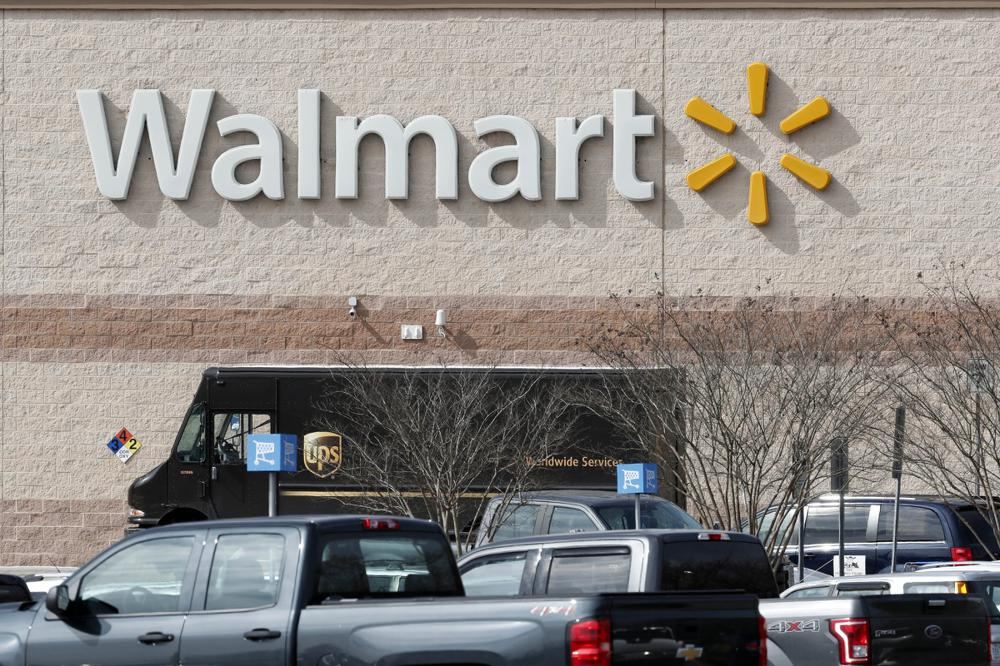 Walmart pauses giving to electoral-vote deniers