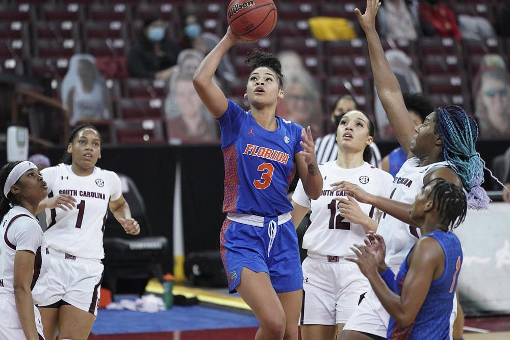Florida sophomore Lavender Briggs (3) scored 41 points against Arkansas and 18 against Auburn. She was named the SEC player of the week. (AP/Sean Rayford)