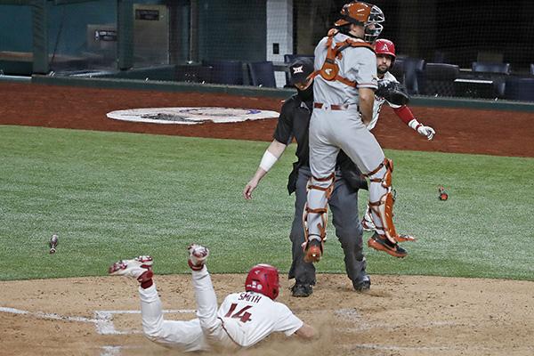 LIVE UPDATES: Arkansas vs. Texas at College Baseball Showdown - WholeHogSports