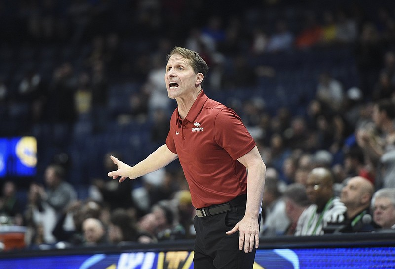 Arkansas Coach Eric Musselman's new five-year contract will pay him $4 million annually, a salary which ranks third among SEC men's basketball coaches behind Kentucky's John Calipari and Tennessee's Rick Barnes. (NWA Democrat-Gazette/Charlie Kaijo)