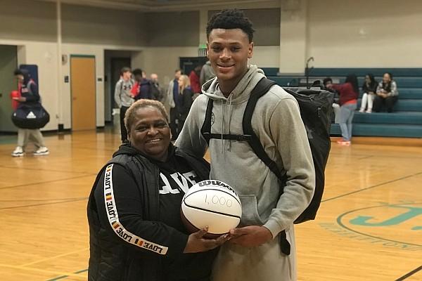Harriet Toney-Cotton (left) and Arkansas basketball transfer Au'Diese Toney.
