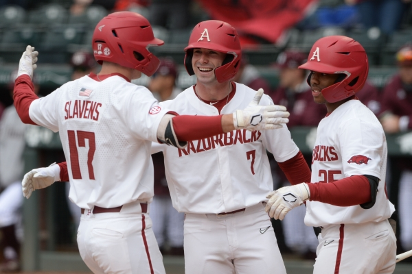 Hogs take series from Aggies in 1 day