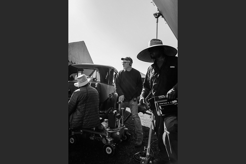 """David Fincher directs """"Mank,"""" the Best Picture Oscar contender about early Hollywood writer Herman J. Mankiewicz. Fincher had his technicians trim back the resolution of the digital picture to match the movies to the era of the title character; he even had scratches and """"cigarette burns"""" inserted."""