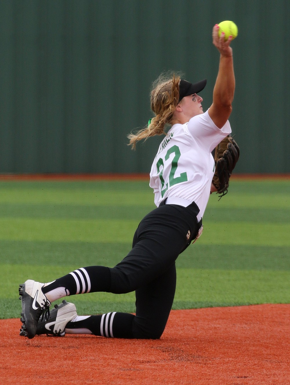 Bentonville shortstop Senzie Derryberry makes a play during the Lady Tigers' 3-0 victory over Conway in the Class 6A state championship game Friday. More photos at www.arkansasonline.com/522softball6a/ (Arkansas Democrat-Gazette/Thomas Metthe)