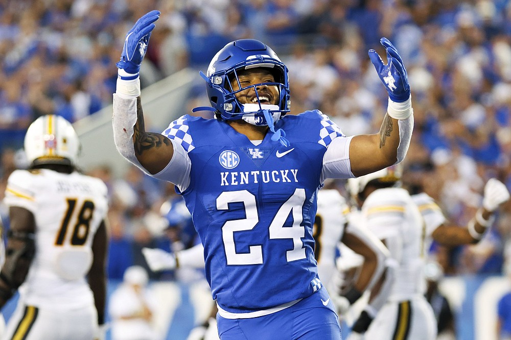 Kentucky running back Chris Rodriguez Jr. leads the SEC and ranks second nationally with an average of 166.0 rushing yards per game. (AP/Michael Clubb)