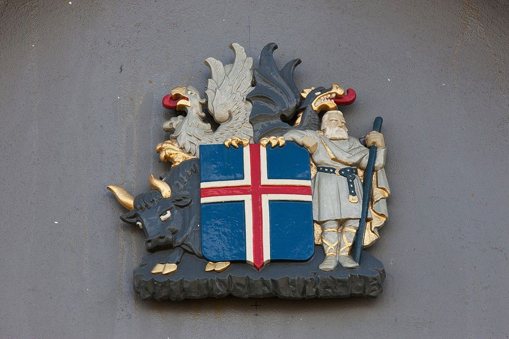The Icelandic coat of arms is displayed outside the residence of Iceland's prime minister in Reykjavik on April 7, 2016. MUST CREDIT: Bloomberg photo by Arnaldur Halldorsson