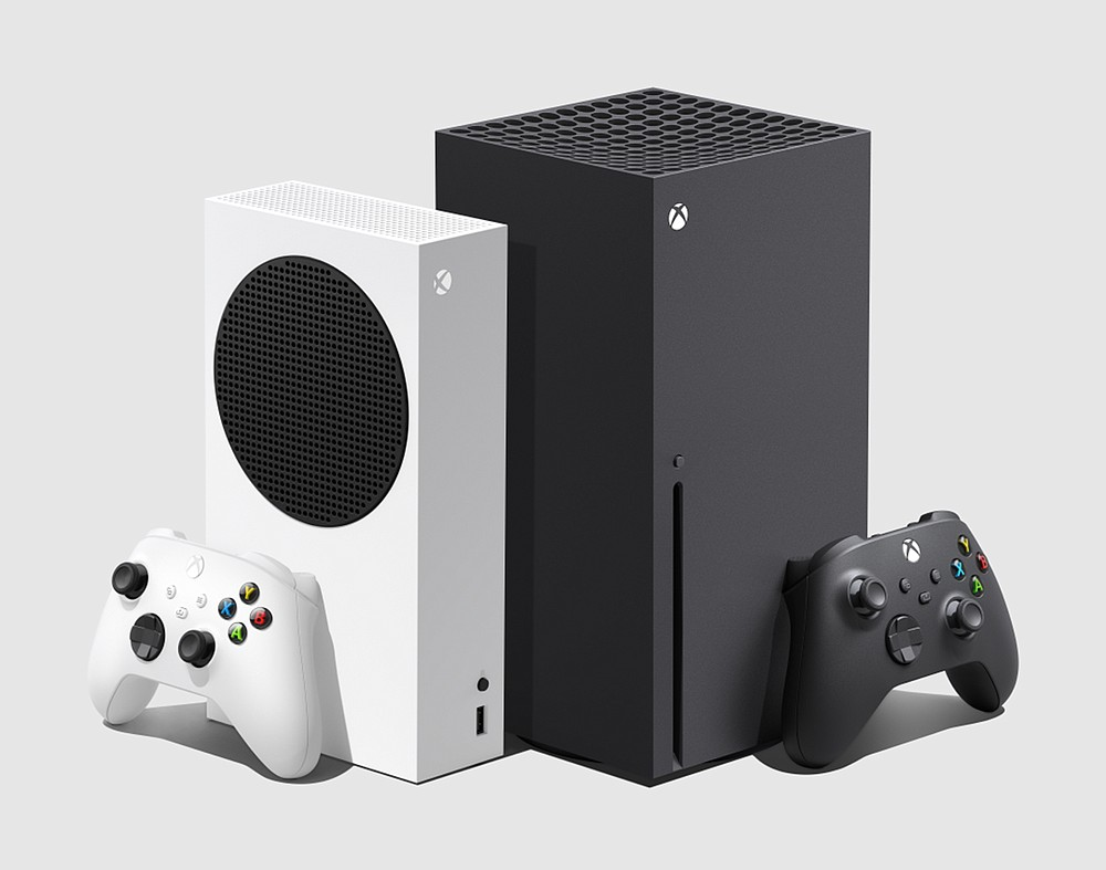 Microsoft's Xbox Series S (right) and Series X differ in more ways than just their price points. (Microsoft)