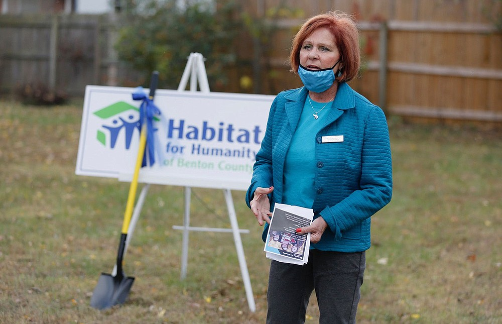 Cindy Acree, executive director Habitat for Humanity of Benton County, Inc., speaks Monday, November 9, 2020, during a Habitat for Humanity of Benton County ground breaking event for a new home for Angela Sockrider at 808 N. 31st Street in Rogers. Check out nwaonline.com/201126Daily/ and nwadg.com/photos for a photo gallery.(NWA Democrat-Gazette/David Gottschalk)