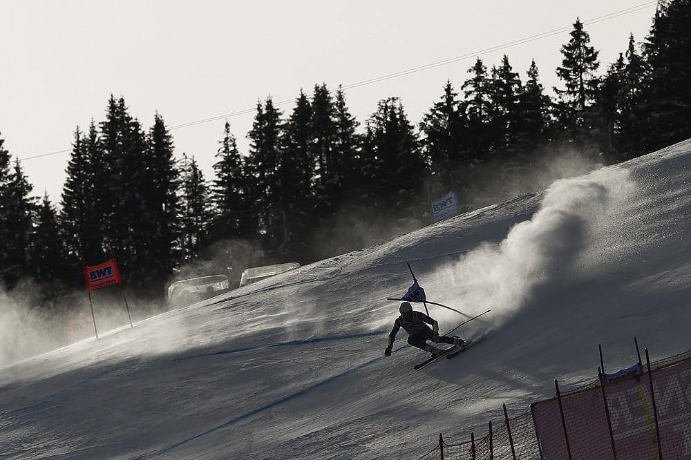 United States' Ryan Cochran Siegle speeds down the course during an alpine ski, men's World Cup Giant slalom, in Adelboden, Switzerland, Saturday, Jan. 9, 2021. (AP Photo/Gabriele Facciotti)
