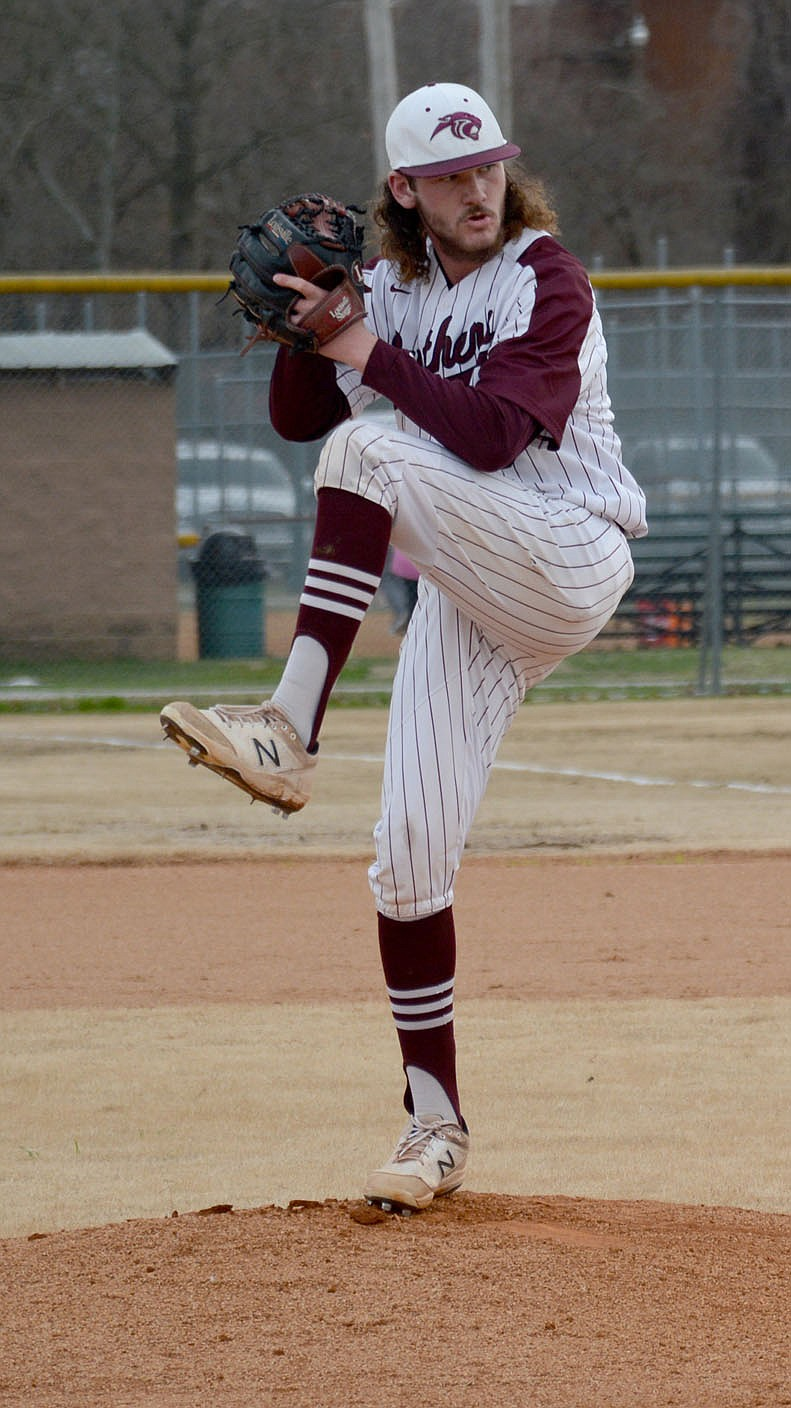 Graham Thomas/Herald-Leader Siloam Springs junior Brayden Fain pitches against Mountain Home on March 16.