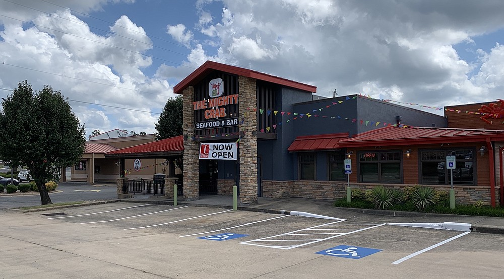 The Mighty Crab is now open on Little Rock's North Shackleford Road in the former Famous Dave's. (Arkansas Democrat-Gazette/Eric E. Harrison)