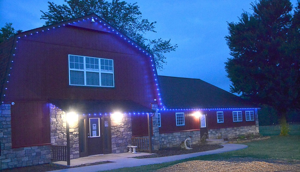 Oak View Animal Clinic was one of many businesses in town to display blue lights in honor of slain police officer Kevin Apple this week.