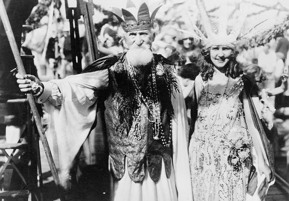 Neptune (Hudson Maxim) and Miss America (Margaret Gorman) parade at the Atlantic City Carnival in September 1922 (Library of Congress Prints & Photographs Division [LC-B2- 5822-7])