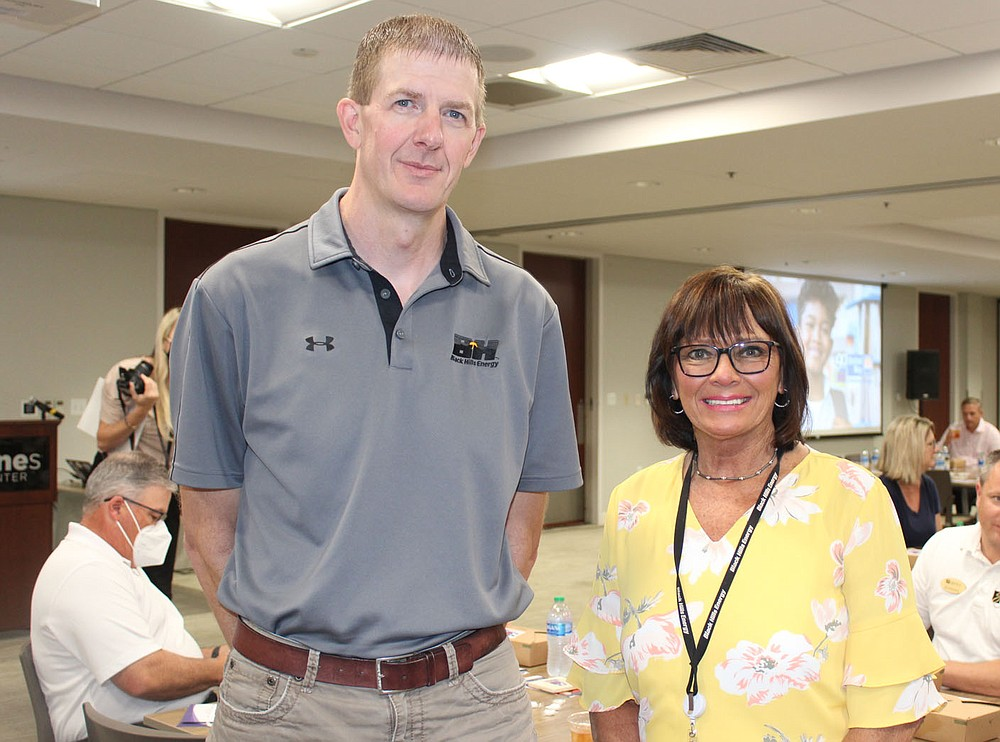 Chad Kinsley and Janet Worley help the United Way of Northwest Arkansas launch this year's fundraising campaign. (NWA Democrat-Gazette/Carin Schoppmeyer)