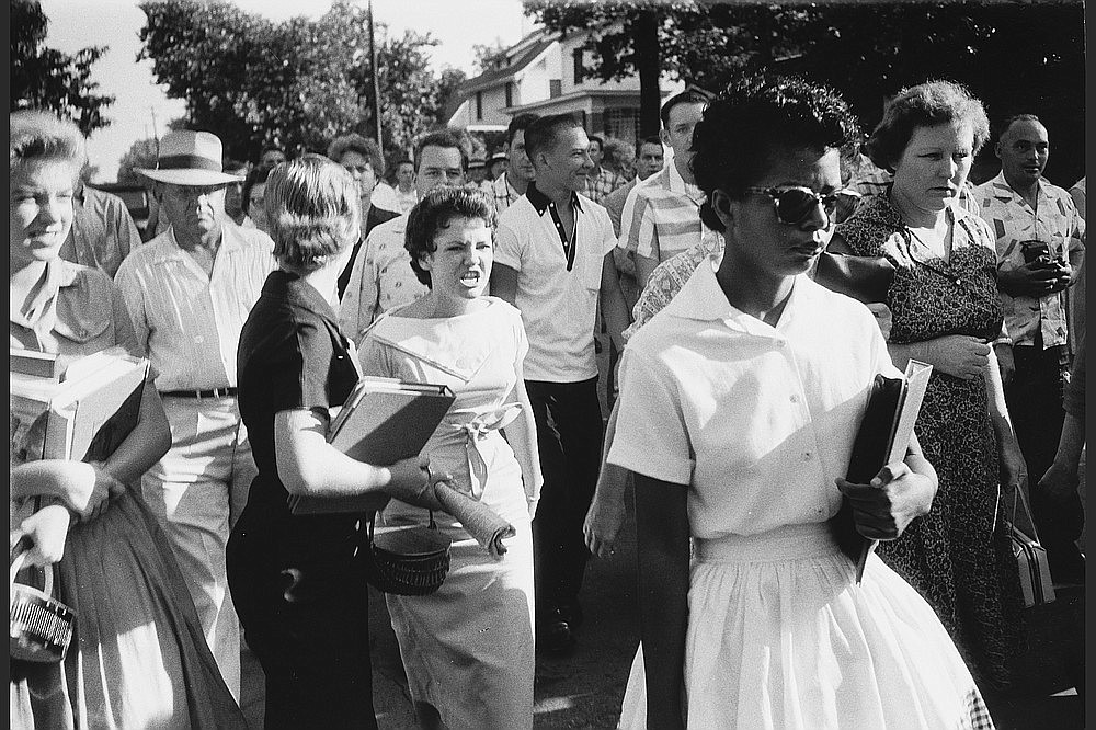 """""""It was not the plan for Elizabeth Eckford to walk alone toward Central High,"""" 1957 (silver gelatin print, 1997) was part of the exhibition """"Will Counts: The Central High School Photographs"""" at the Arkansas Arts Center (now the Arkansas Museum of Fine Arts)."""