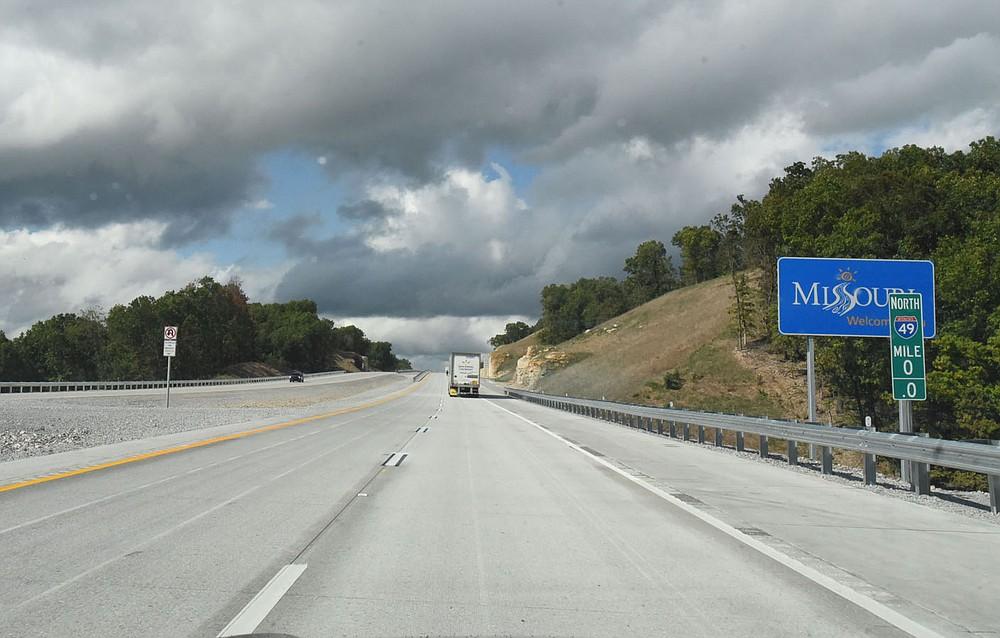Traffic passes into Missouri on Interstate 49. (NWA Democrat/Gazette/Flip Putthoff)