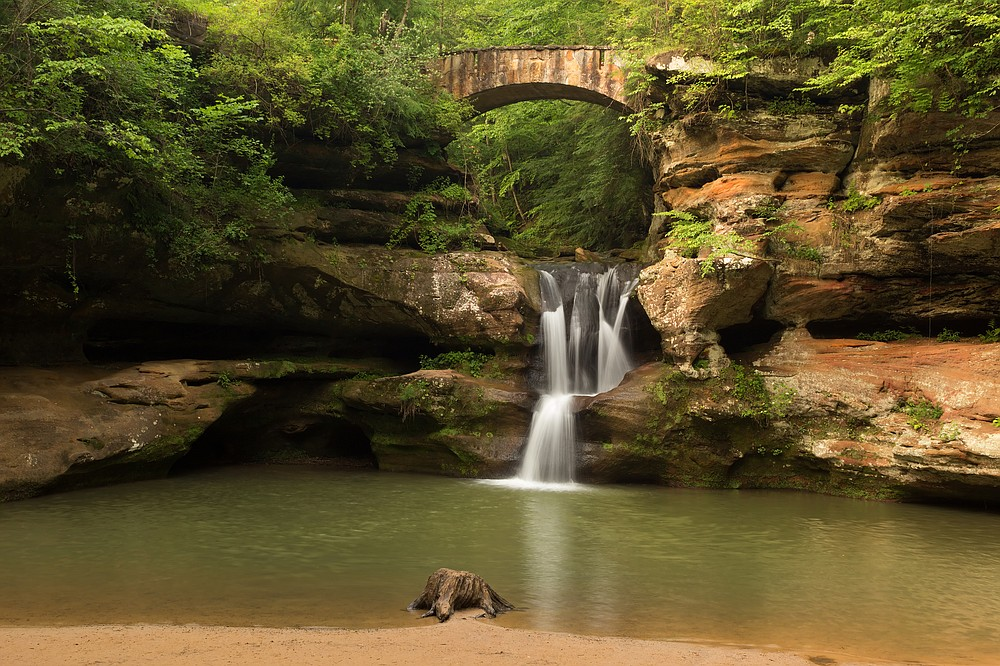 Upper Falls at Old Man's Cave at Hocking Hills State Park in Ohio. (Dreamstime/TNS)
